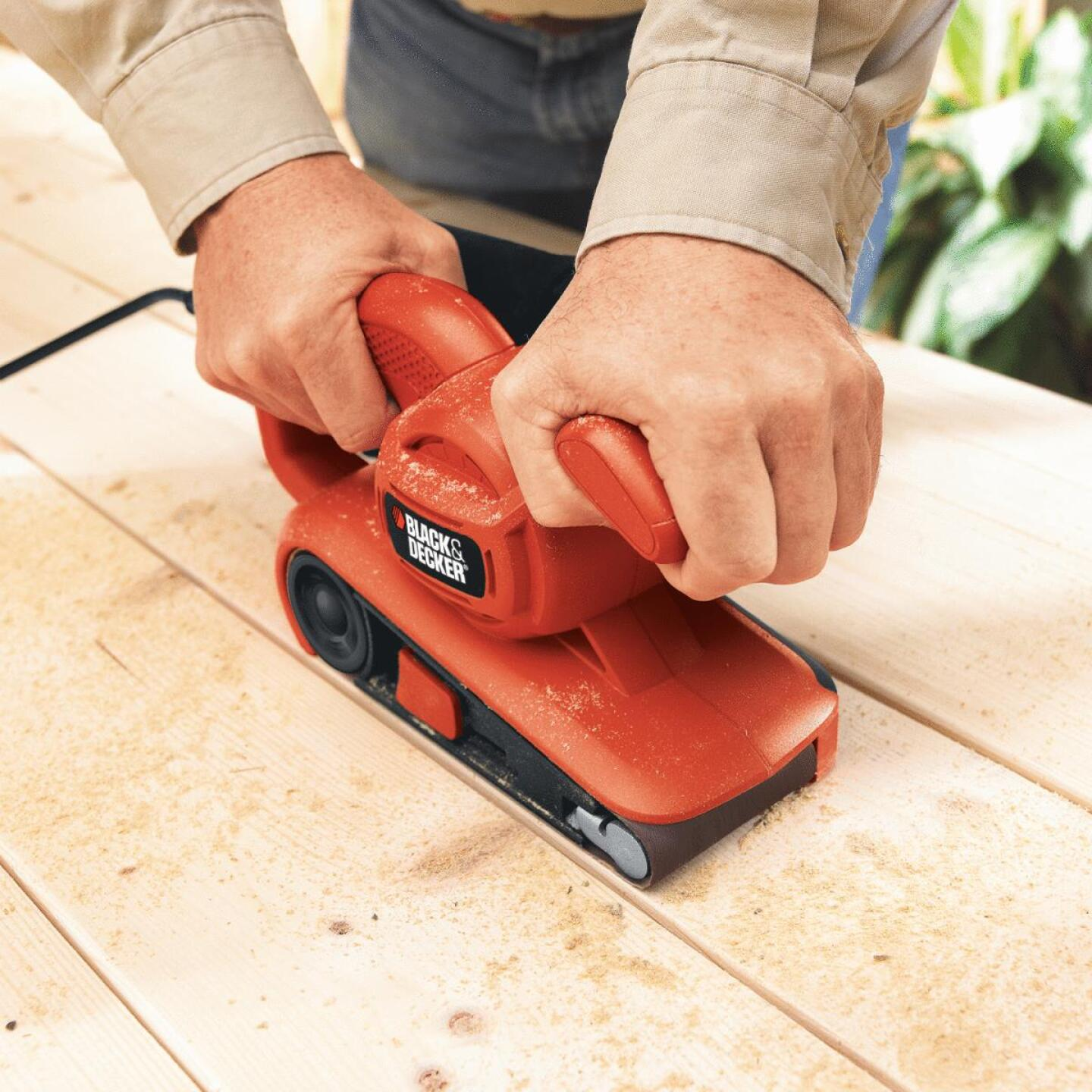 Black & Decker 3 In. x 18 In. Compact Belt Sander Image 4